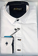 Белая рубашка на кнопках