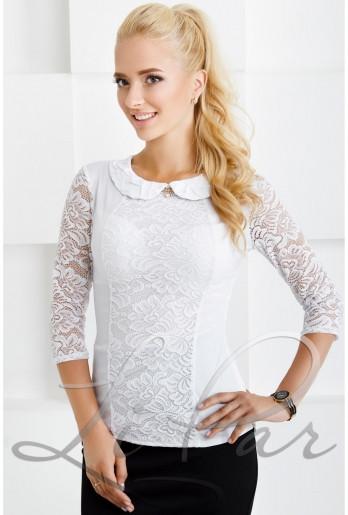 Нарядная белая блуза с гипюровыми рукавами