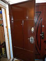 Входная металлическая дверь красивая и пракичная