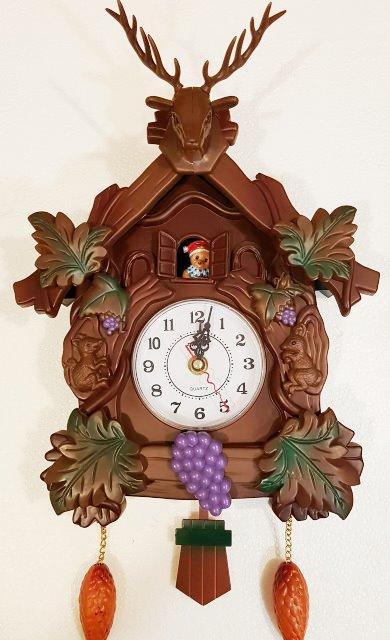 Детские настенные часыв виде сказочного домика L-29