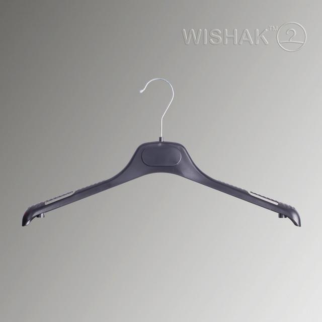 Вешалки для верхней одежды