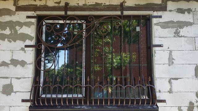 Кованая решетка на окно . 3