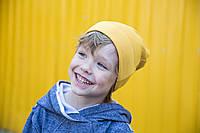 Детская шапка бини со швами по бокам. Горчичный. 52-54 см