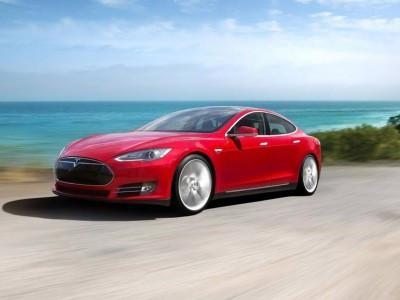 Електромобіль Tesla Model S проїхав рекордну відстань на одному заряді