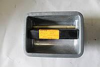 Ручка двери левая МАЗ 6510-6105153-30
