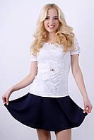 Очень красивая белая блуза с нежной гипюровой вставкой