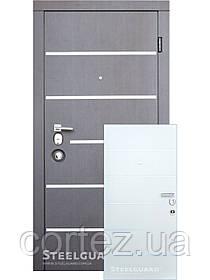 Входная дверь ТМ Стилгард AV-5 дверь двухцветная