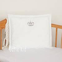 """Подушка в кроватку для новорожденных """"Вышитая корона"""""""