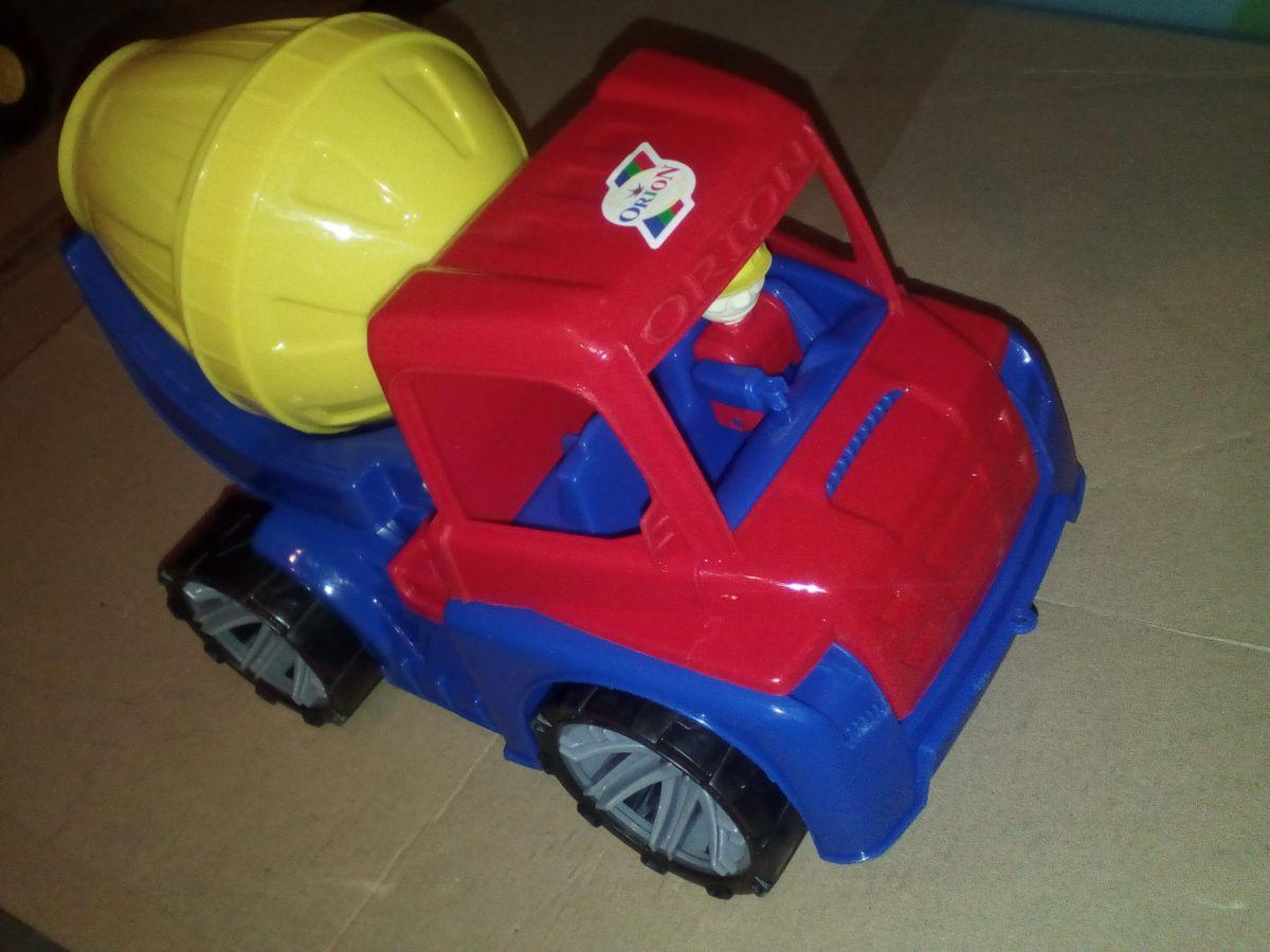 Автомобиль М4 бетоносмешалка