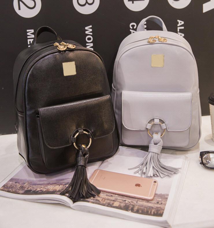 Модный городской рюкзак с кольцом и кисточкой