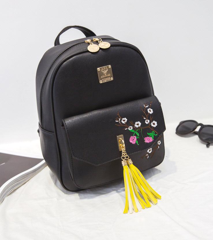 Городской рюкзак с кисточками и цветами для модных девушек