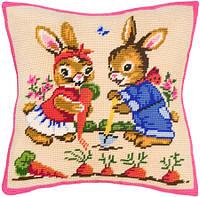 Подушки для вышивания полукрестом Зайки на грядке