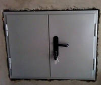 Подъёмник-лифт кухонный в кирпичной шахте.