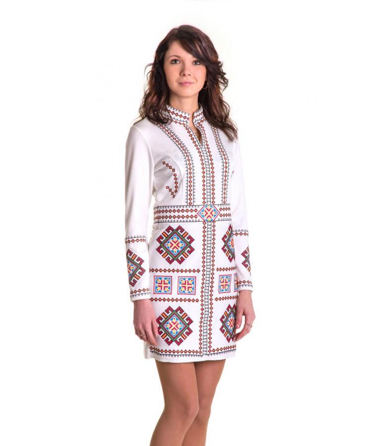 Вишита сукня. Сукня білого кольоро з вишивкою. Вишиванки жіночі.
