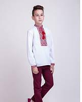 Вышитая сорочка для мальчика на белом батисте