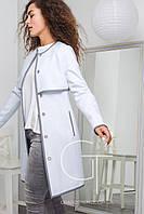 Нежное женское пальто прямого кроя с отделкой из эко-кожи
