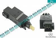 Датчик (кнопка) включения стоп-сигнала 0015452009 Mercedes SPRINTER 1995-2000, Mercedes SPRINTER 2000-2006, Mercedes VITO W638 1996-2003, Mercedes