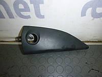 Крышка крепления зеркала правая (уголок двери) (Фургон) Citroen Berlingo 1 02-09 (Ситроен Берлинго), 96192228477