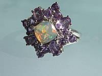 Кольцо с эфиопским опалом в огранке кушон и пурпурным аметистом Размер 17.5