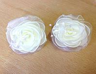 Банты на резинке, бежевые розы, диаметр 7 см