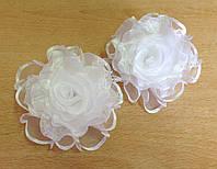 Банты на резинке, белые розы, диаметр 8 см