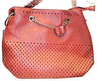 Женская красная сумка Премиум класса с перфорацией 31*34