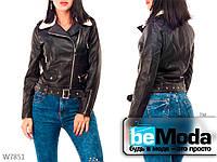 Модная куртка женская Black оригинального фасона с меховым воротником черная