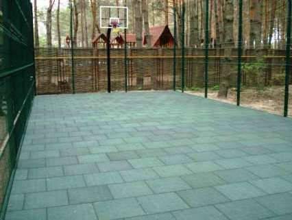 Баскетбольная площадка в загородном комплексе 4