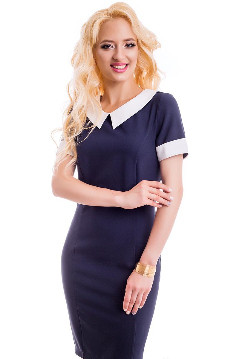 Стильное однотонное платье с контрастной отделкой