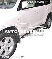 Подножки боковые профильные на Toyota LC200, стиль RangeRover Sport