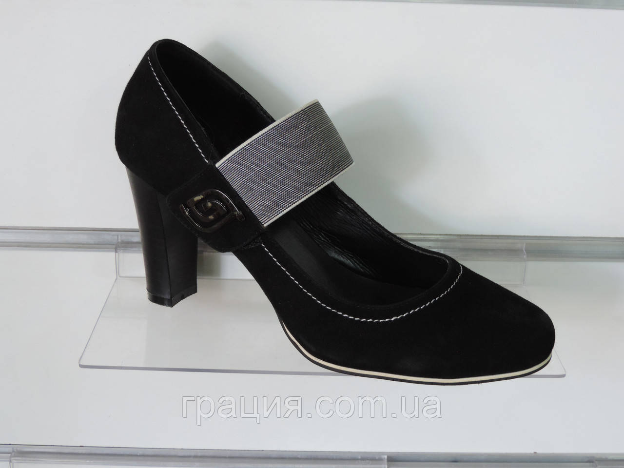 Туфлі жіночі замшеві на підборах