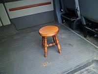 Автомобильный стульчик деревянный, круглый верх, ручная работа