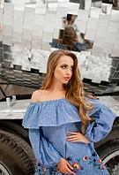 Свободная блузка с воланом и вышивкой
