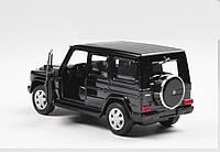 Машинка коллекционная Mercedes G-500 Gelandewagen металлическая в масштабе 1:36