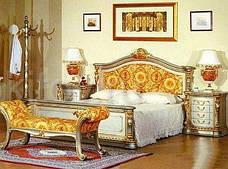 Кровать с оббитым изголовьем 208