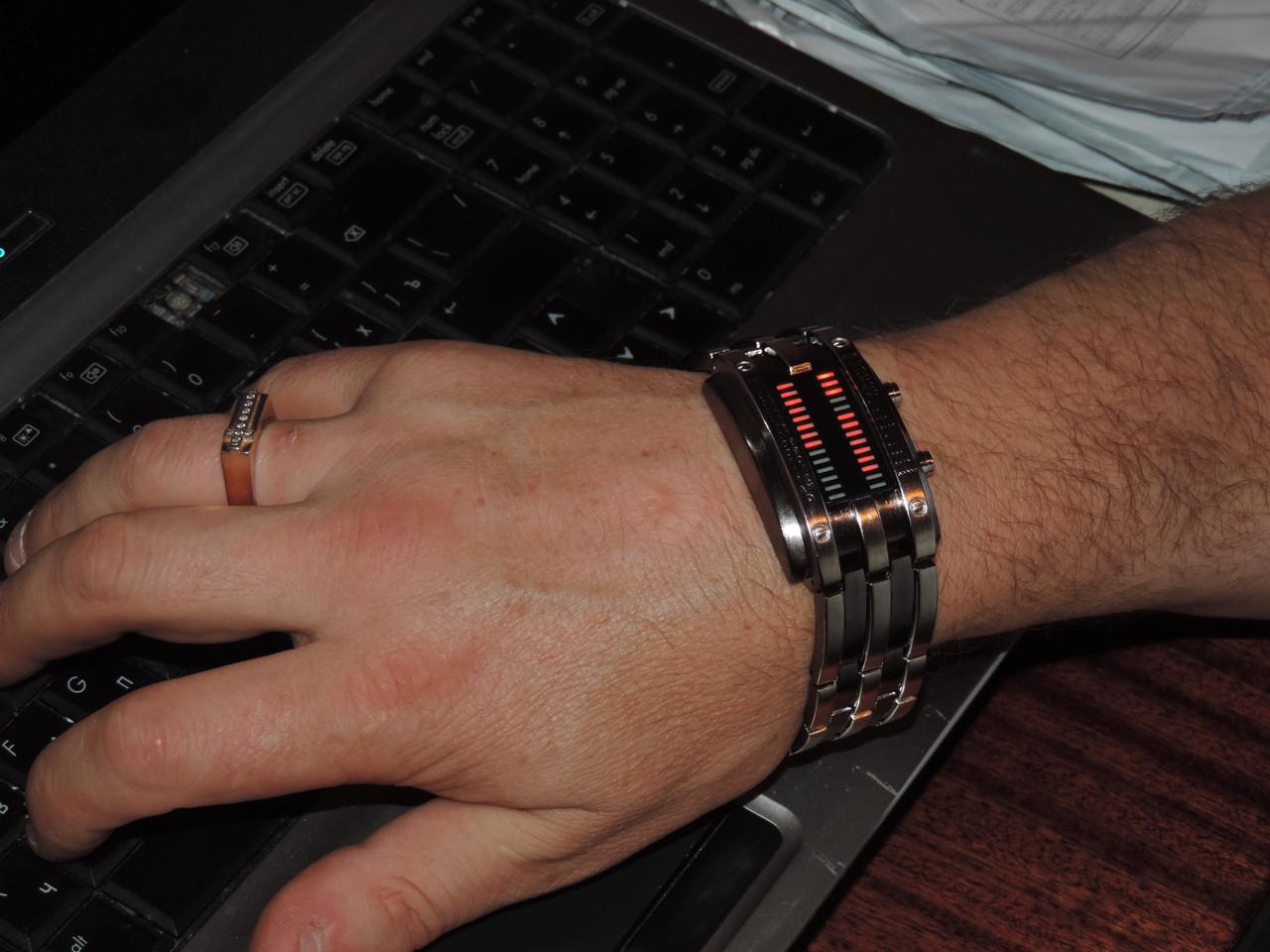 Часы браслет бинарные светодиодные. Эксклюзивная модель.