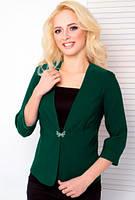 Укороченный женский пиджак с рукавом три четверти