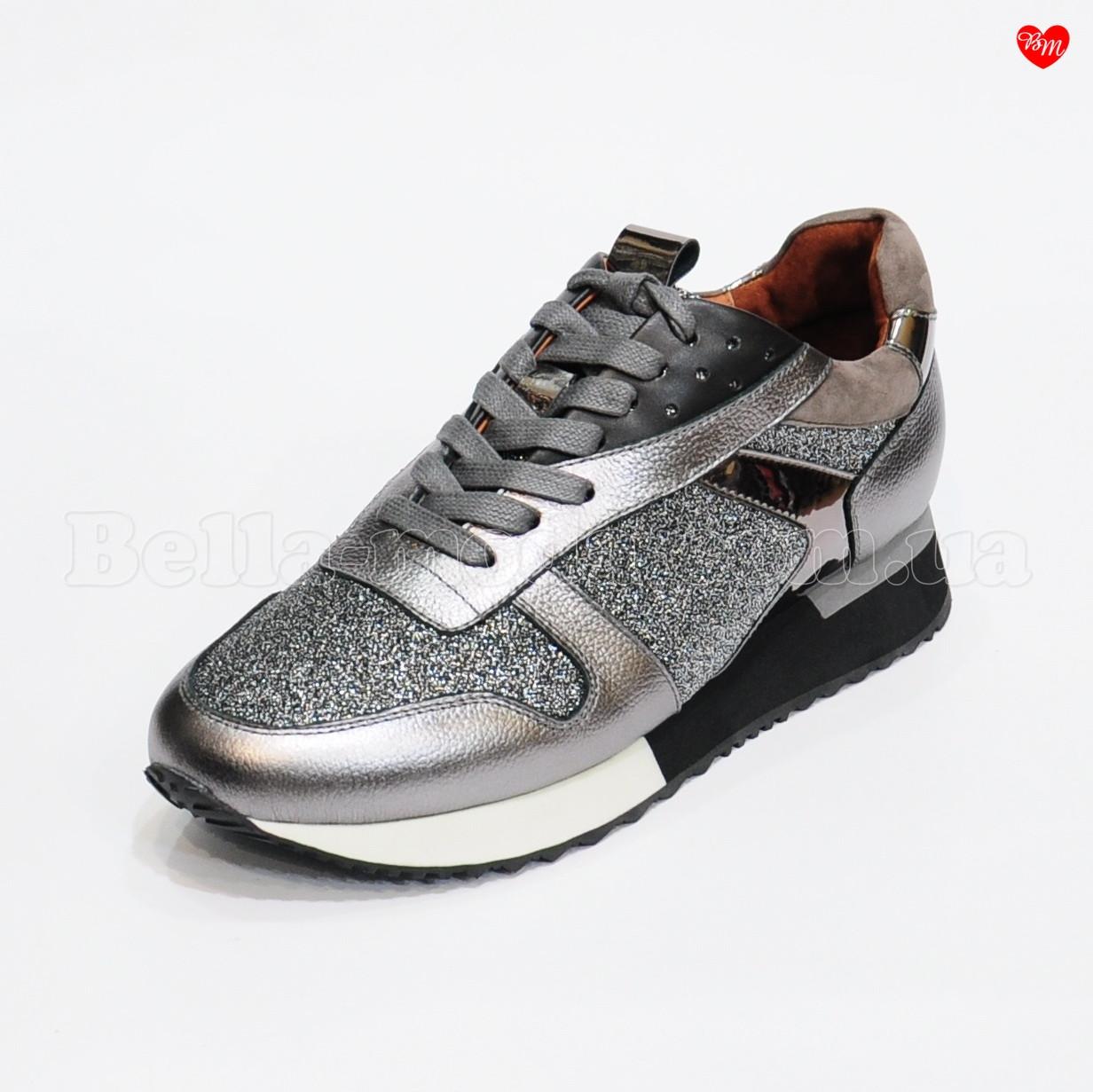 fced14ccc249 Женские серебристые кроссовки с вставками - интернет-магазин