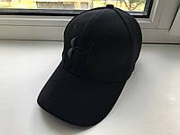 Черная кепка Under Armour, с черным логотипом