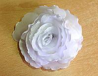 Бант ручной работы на резинке, белая ажурная роза, диаметр 10 см