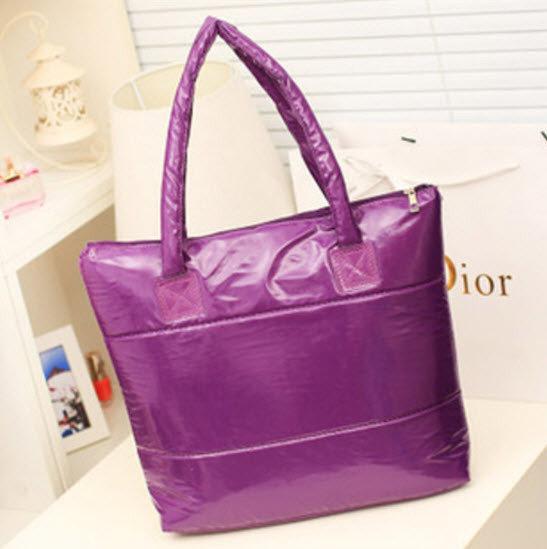 71921417ffbc Большая виниловая женская сумка баула. Стильный дизайн. Хорошее качество.  Доступная цена. Дешево