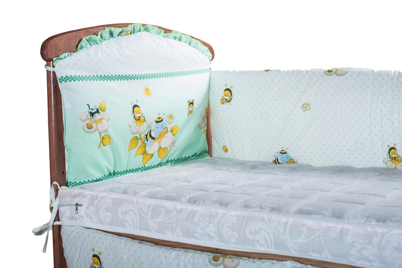 Защитка на стеночки в кроватке Qvatro зеленая (слон и пчелы)