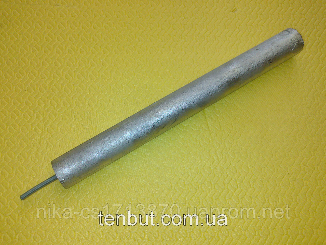 Магниевый анод Украина м8/D25/L200 мм. На короткой шпильке.