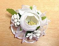 Заколка ручной работы белый цветок