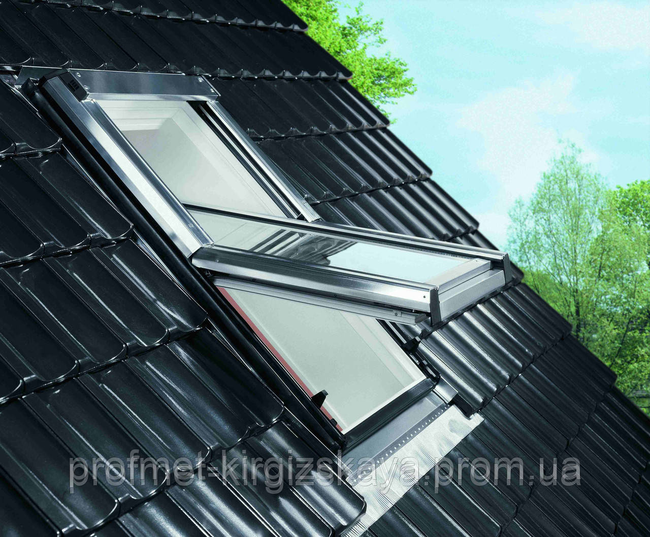 Мансардные окна ROTO Designo R6 c центральной осью