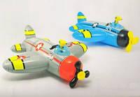 57537 плотик-самолет со встроен.водян.оруж. 132*130 см /6/