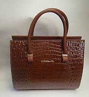 Практичная женская сумка из кожзаменителя