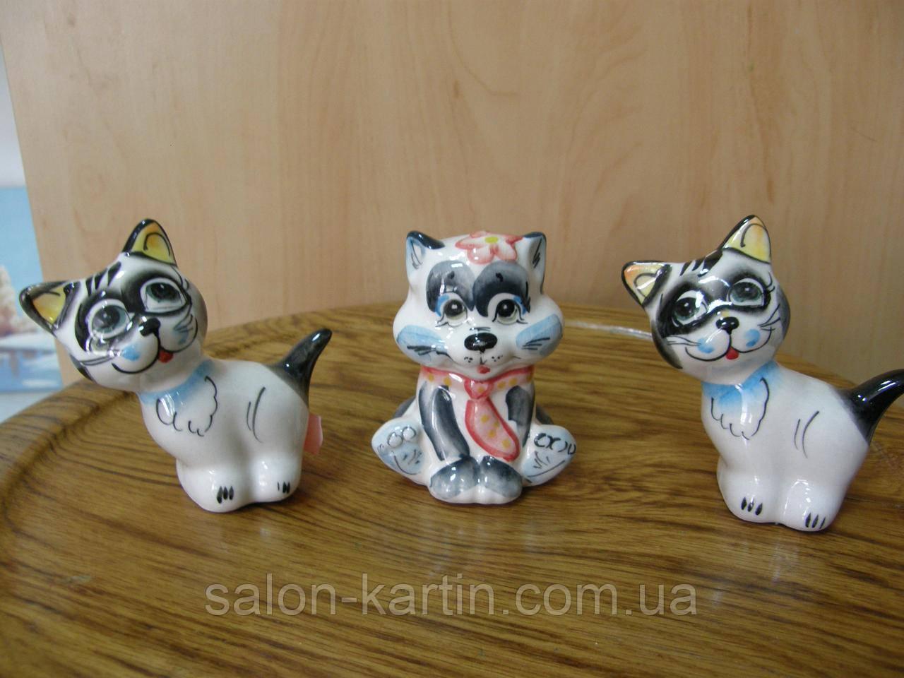 Статуэтка котенок