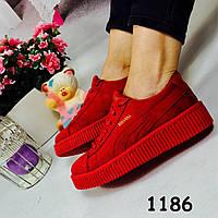 Женские красные кроссовки эко замш