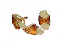 Туфли танцевальные для девочки блок каблук цвет золото